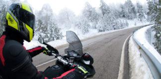 Complementos imprescindibles para ir en moto en invierno