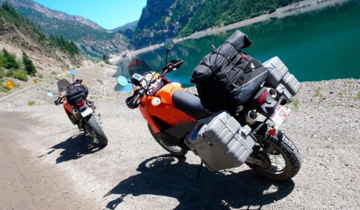 Viajes en moto, ¿Qué hay que llevar?